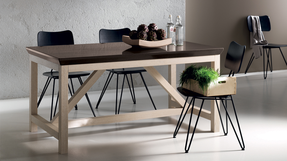 table_social_floating_table